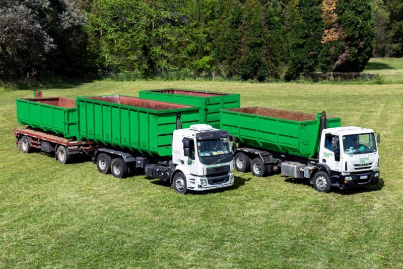 Dos camiones con acoplado