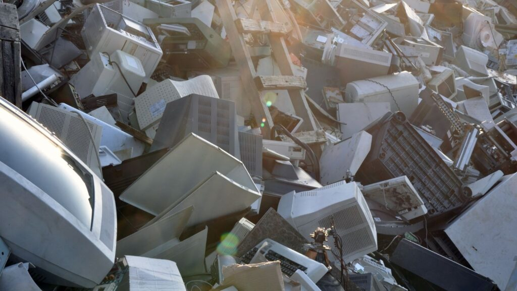 Acumulación de basura tecnológica
